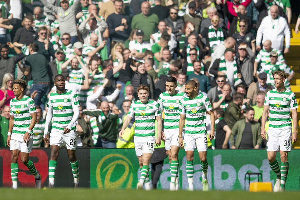 Celtic's James Forrest celebrates his goal with his team mates during the Scottish Premiership match at Celtic Park, Glasgow