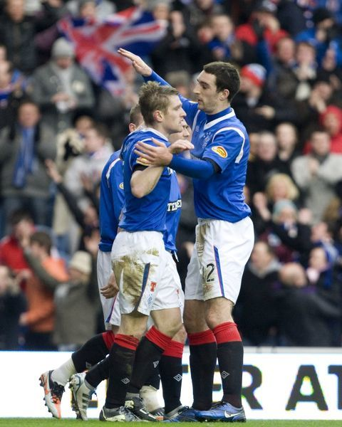 Rangers' Steven Davis celebrates his first goal with his team mates