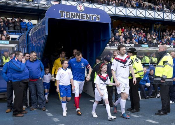 Rangers captain Lee McCulloch leads out the players and mascots