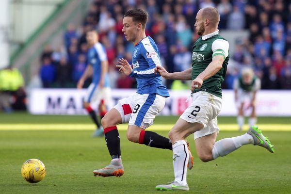 Rangers' Barrie McKay and Hibernian's David Gray during the Ladbrokes Championship match at Easter Road, Edinburgh