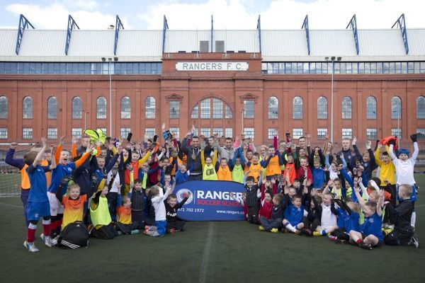 Chris Hegarty & Kane Hemmings join kids at the Rangers Soccer School