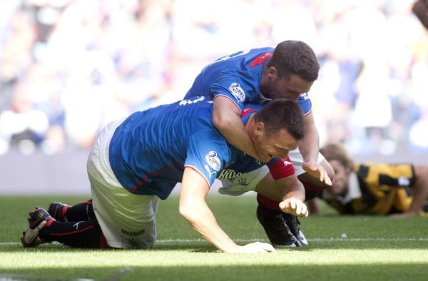 Rangers captain Lee McCulloch celebrates his goal with team mate Nicky Clark