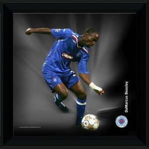 "12x12"" (305x305mm) DaMarcus Beasley Framed Dynamic Action Print"