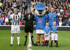 Soccer - Clydesdale Bank Scottish Premier League - Rangers v St Mirren - Ibrox Stadium