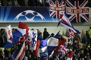 european nights/rangers 0 3 lyon/soccer uefa champions league group e rangers